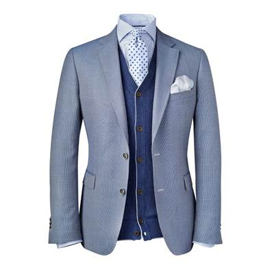 Blazer Laundry Shine Laundry Shine Laundry Services provides premium washing and dry cleaning service leveraging mobile based technology. We pick up your dirty duds from your doorstep and deliver fresh, clean clothes back at your doorstep.